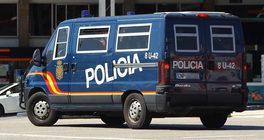 Furgon UIP perteneciente al Cuerpo Nacional de Policia de Espana