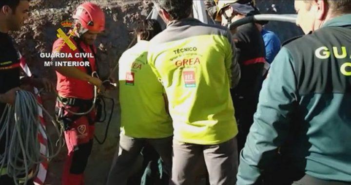 Los equipos de rescate trabajan contra reloj para encontrar al pequeño Julen en el pozo de Totalán
