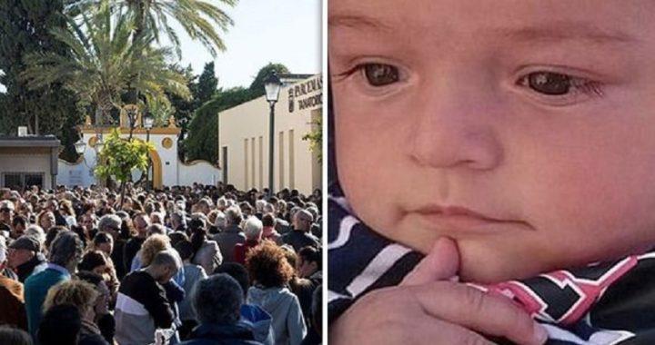 Cientos de personas asistieron al funeral de Julen