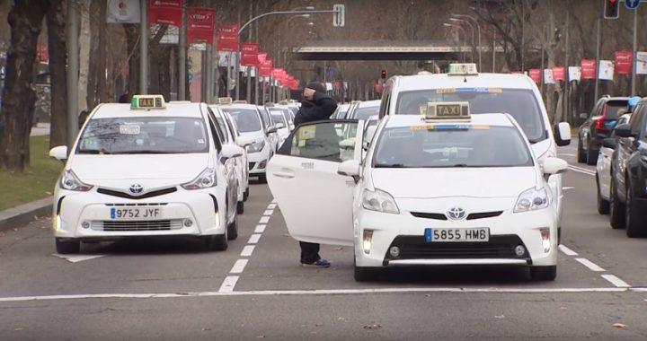 Un detenido y 11 heridos en las protestas del taxi en Madrid