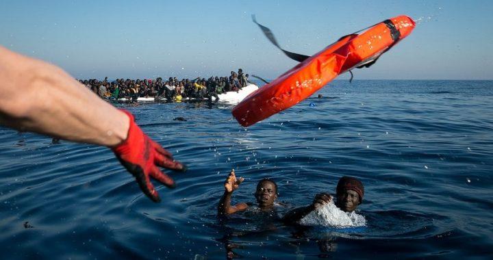 En solo dos días, España salva a 401 inmigrantes y Malta permite una parada humanitaria