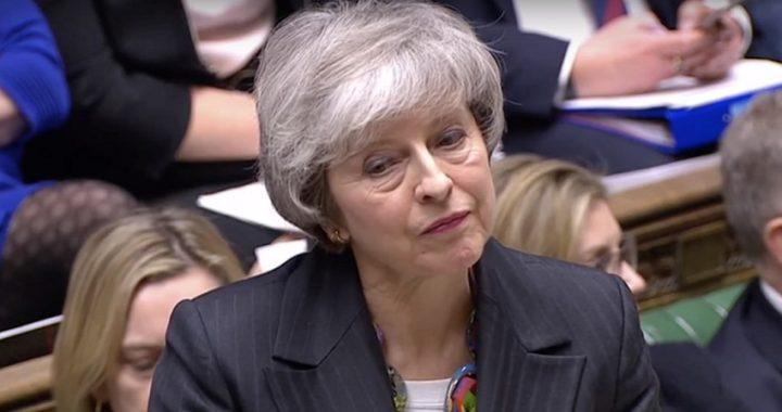 Theresa May se enfrenta a la amenaza de una nueva rebelión de los Comunes