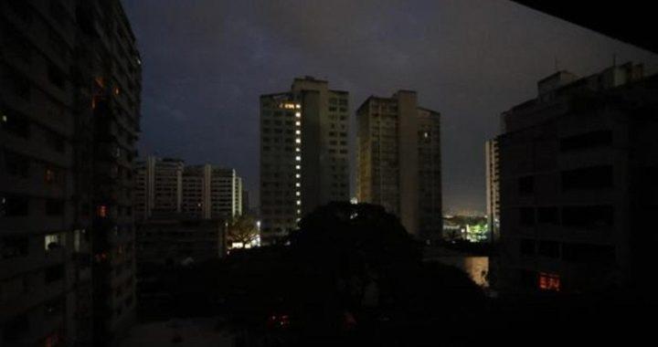 Un apagón masivo deja sin luz a Caracas y a buena parte de Venezuela durante horas