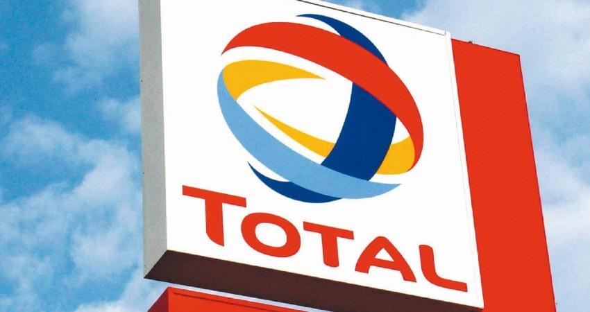 La petrolera Total reduce su beneficio anual