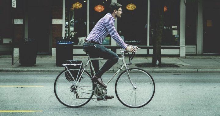 Europa apuesta por la bicicleta en la carrera hacia un futuro más saludable y sostenible