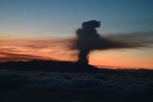 Pedro Sánchez subraya el apoyo del Gobierno a Canarias para hacer frente a la emergencia volcánica
